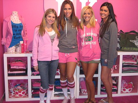 NY Fashion Week Victoria 39 s Secret Phi Beta Pink  NY Fashion Week Victoria  39. Vs Pink Bedroom